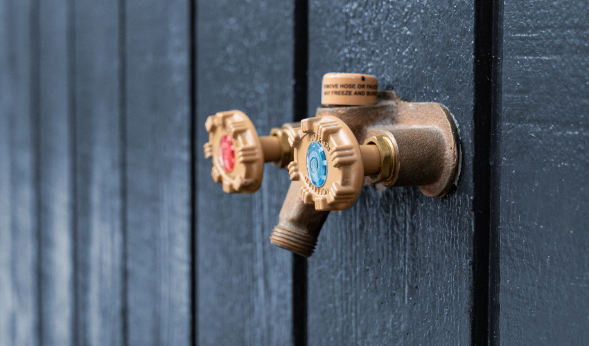 How to Fix an Outdoor Faucet